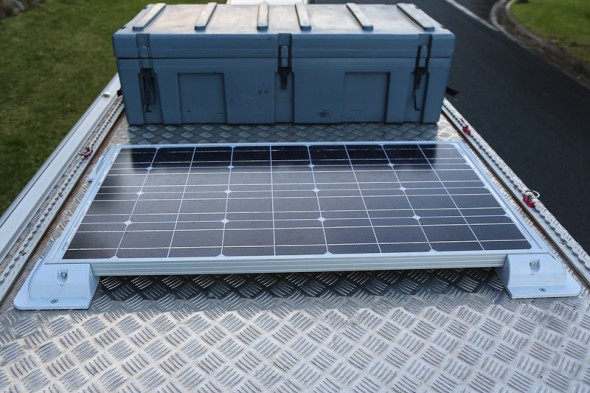 redarc_solar_panel_roof_mounted