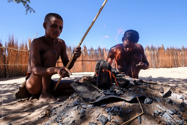 San Bushmen in the Kalahari - Xaus